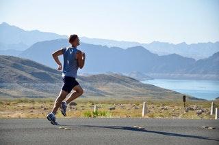 Mi van hatással a megfelelő sporttáplálkozásra?